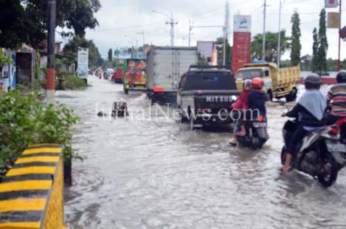 Banjir Genangi Rogojampi dan Mangir