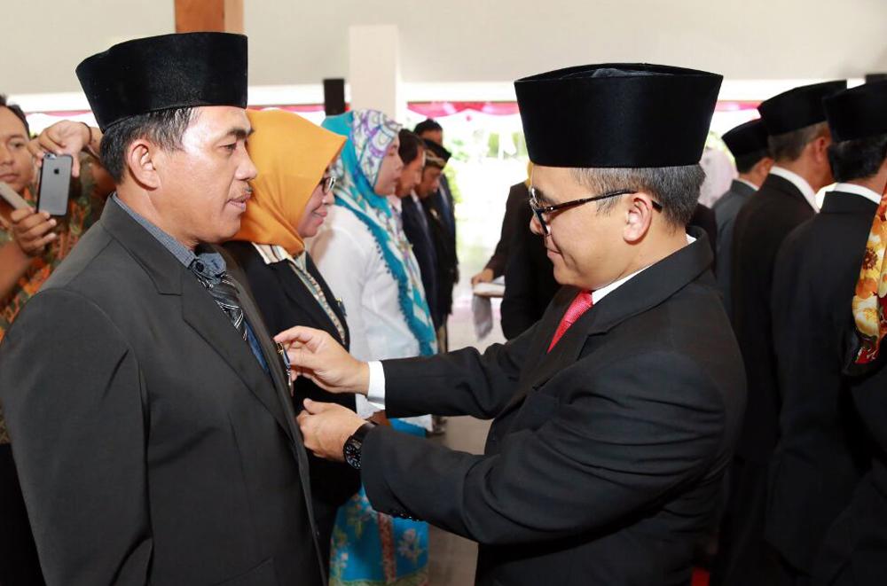 721 PNS Pemkab Banyuwangi Terima Satya Lencana Karya Satya
